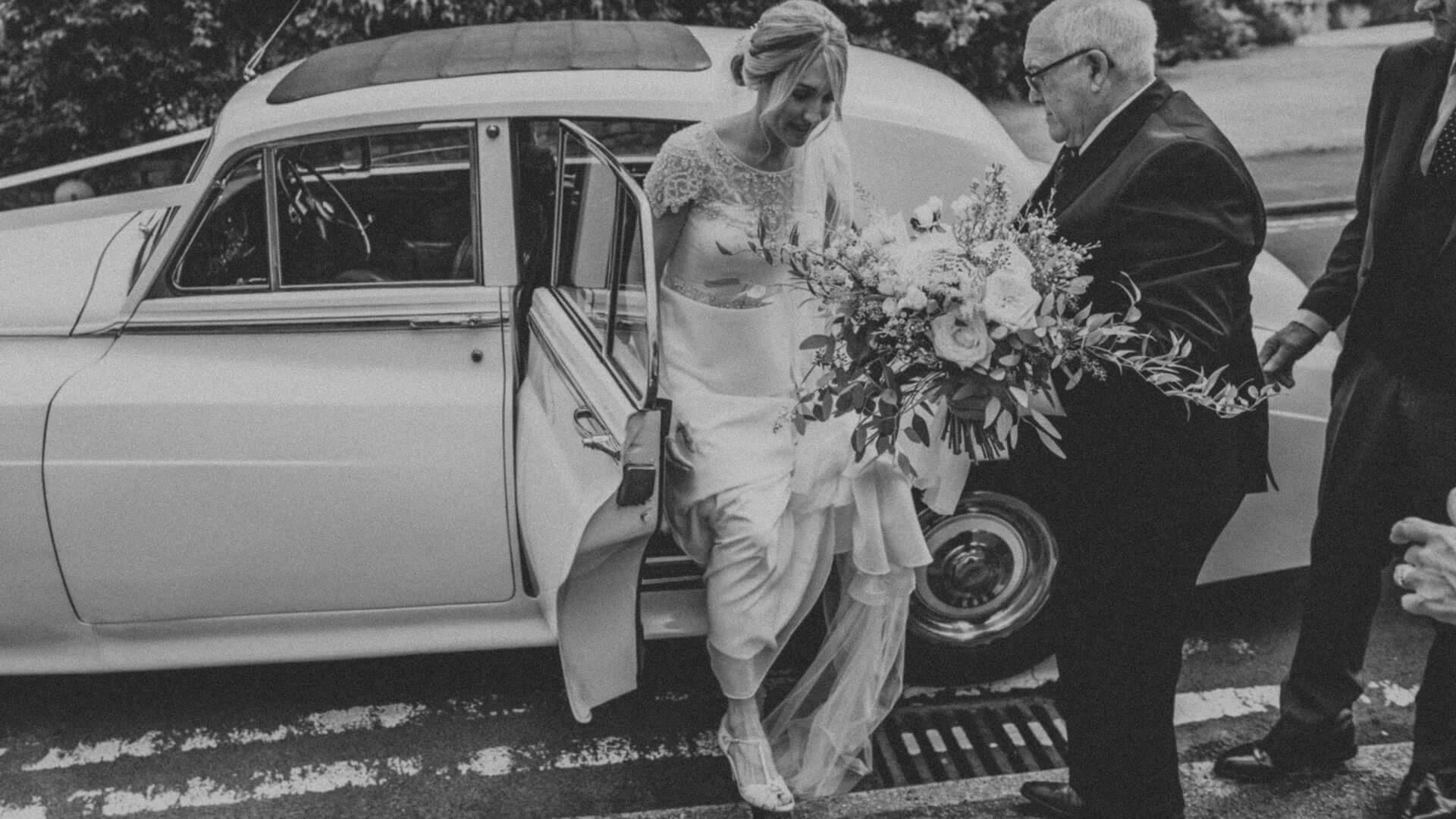 Hannah & Phil - Flourish Flowers, Weddings