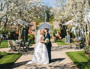 Lauren & Ian - Flourish Flowers, Weddings